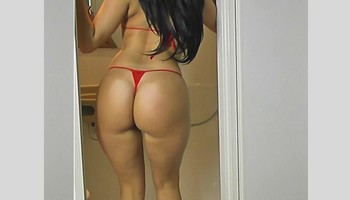 French Latina Paola stripping